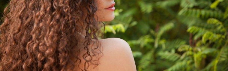 Pet najboljih preparata koji će vam pomoći da uktotite kovrdžavu kosu